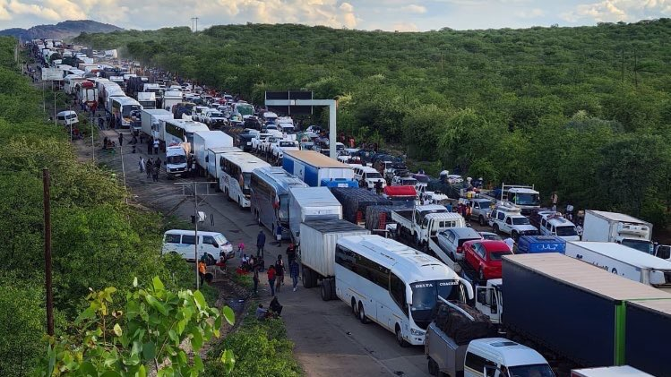Beitbridge Border delays leave commuters stranded at Africa's busiest border post.