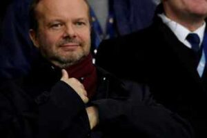 Man United chief Ed Woodward quits amidst Super League fall-out.