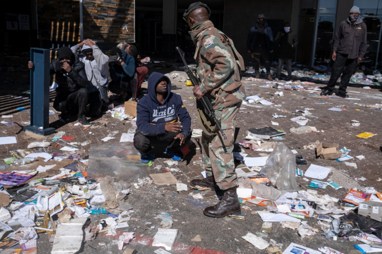 Death toll climbs as South Africa violence continue